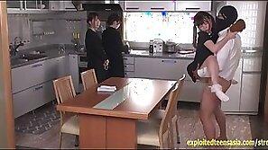 Ikuta miku plays the daughter in this sod drama fucked